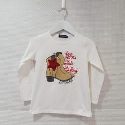 Camiseta botas camperas con...